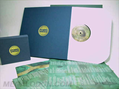 Linen wrapped vinyl box set , deluxe boxeswith inner sleeve